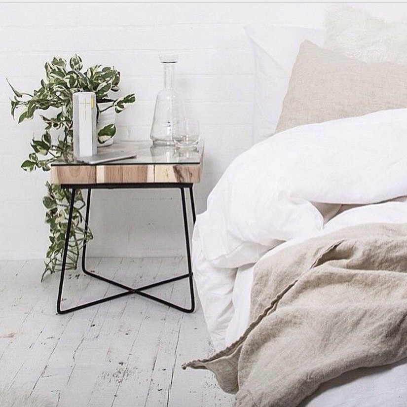 20 Modern Nightstands for a Modern Bedroom (18) modern nightstands 20 Modern Nightstands for a Bedroom Design 20 Modern Nightstands for a Modern Bedroom 18